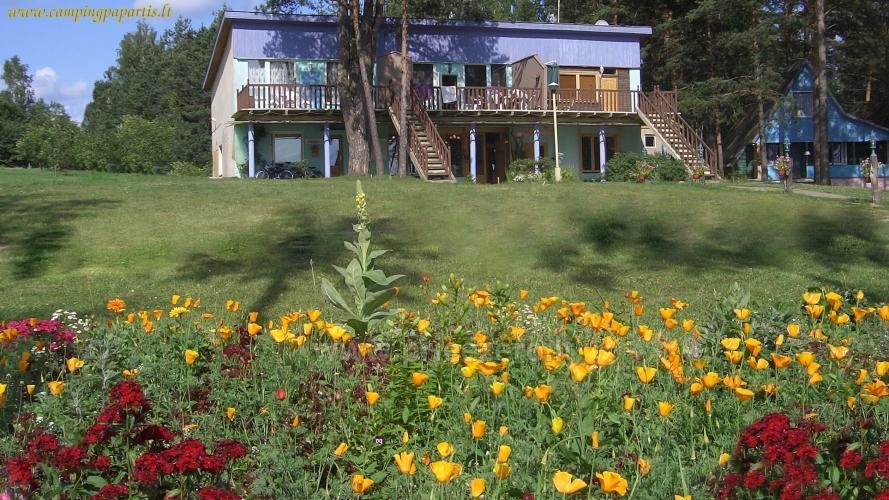 Dzīvokļi, istabas brīvdienu mājas, kempingi pie ezera - 1
