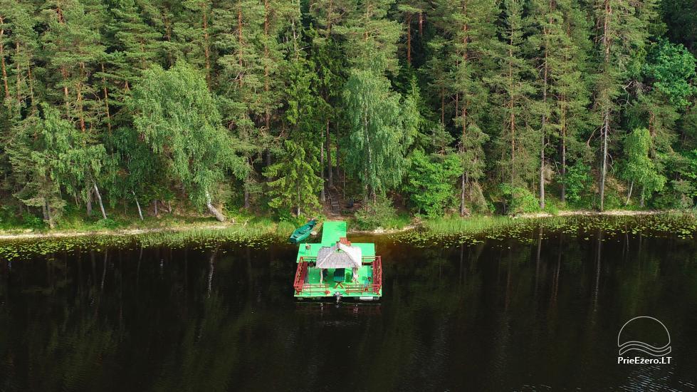 Ilona ir sēta ezera krastā - 4