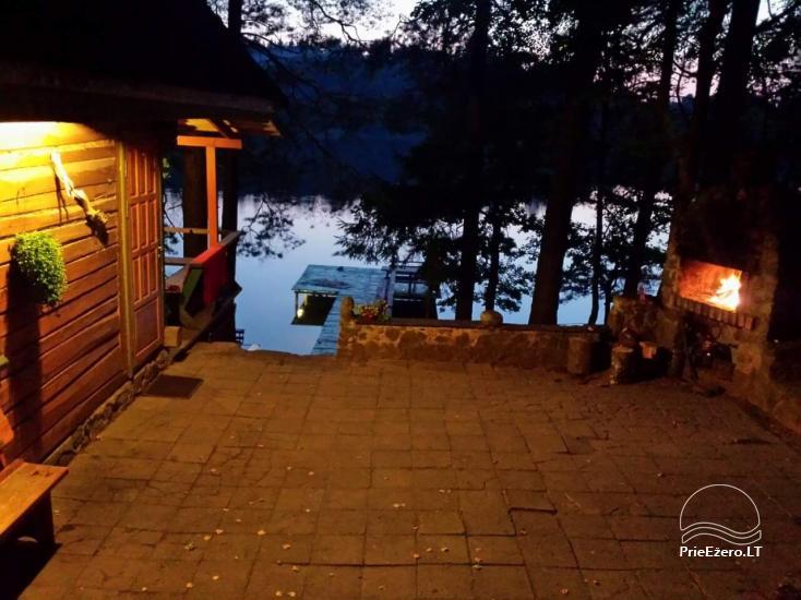 Ilona ir sēta ezera krastā - 27