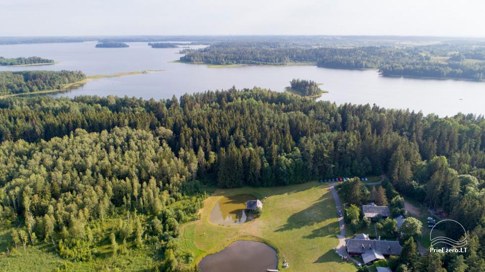 Lauku seta, brivdienu maju ire pie ezera Plateliai - 22