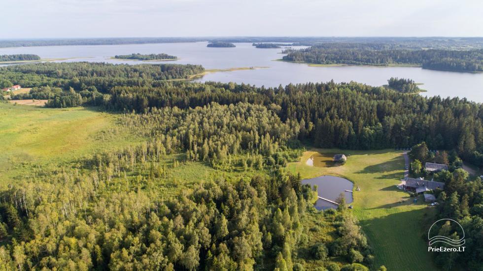 Lauku seta, brivdienu maju ire pie ezera Plateliai - 23