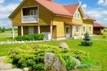 """Lauku māja rajona Rokiskis pie ezera Sartai """"Sartakampis"""""""
