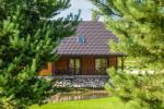 Viensēta Irvita in Plunges jomā ar banketu zāli, pirti, guļamistabām, mājiņām