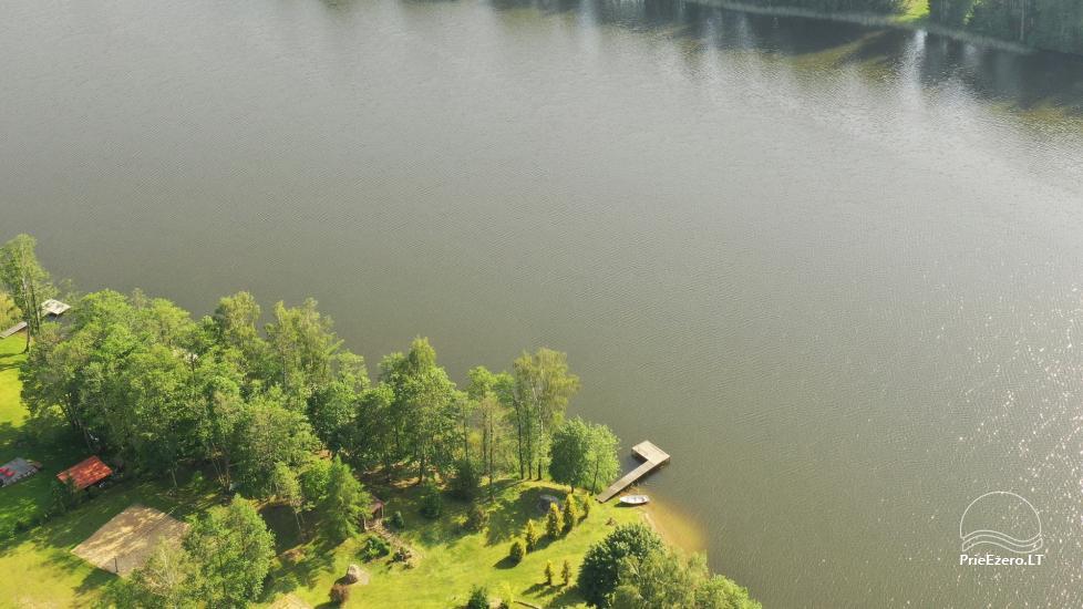 Lauku sēta pie ezera: kajaki, sauna, tenisa korts, laivas - 7