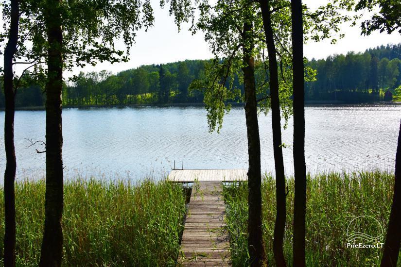 Lauku sēta pie ezera: kajaki, sauna, tenisa korts, laivas - 16
