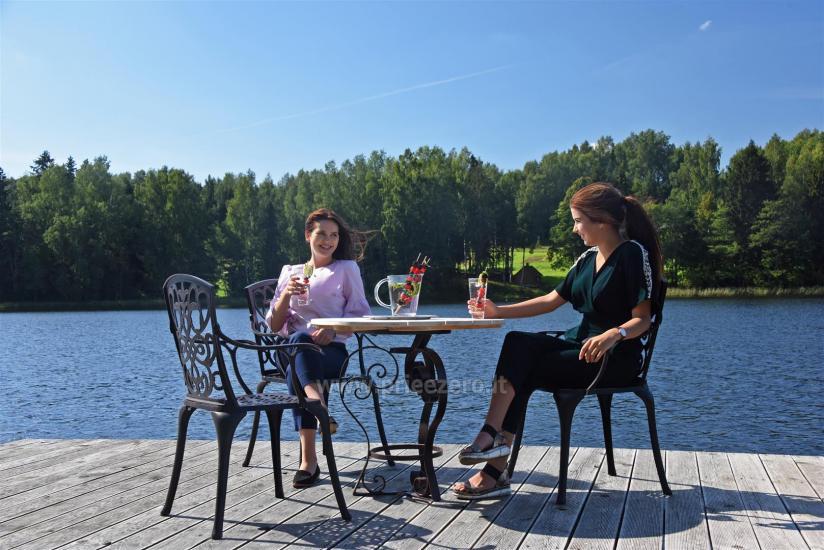 Lauku sēta pie ezera: kajaki, sauna, tenisa korts, laivas - 10