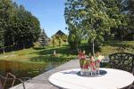 Lauku sēta pie ezera: kajaki, sauna, tenisa korts, laivas