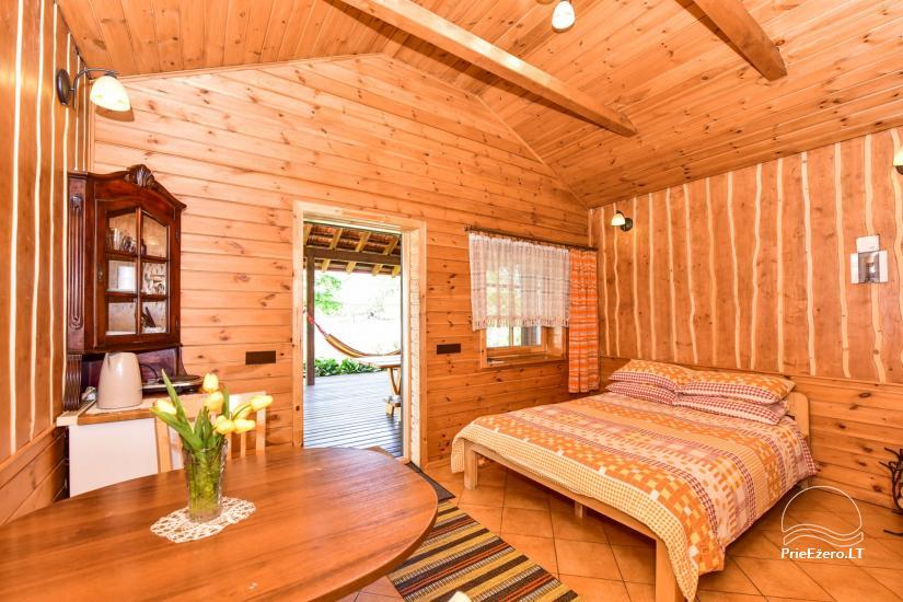 Brīvdienu māja diviem ar saunu ezera krastā, sēta Pas Drambliuką - 4