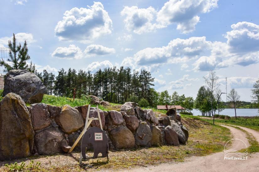 Brīvdienu māja diviem ar saunu ezera krastā, sēta Pas Drambliuką - 15