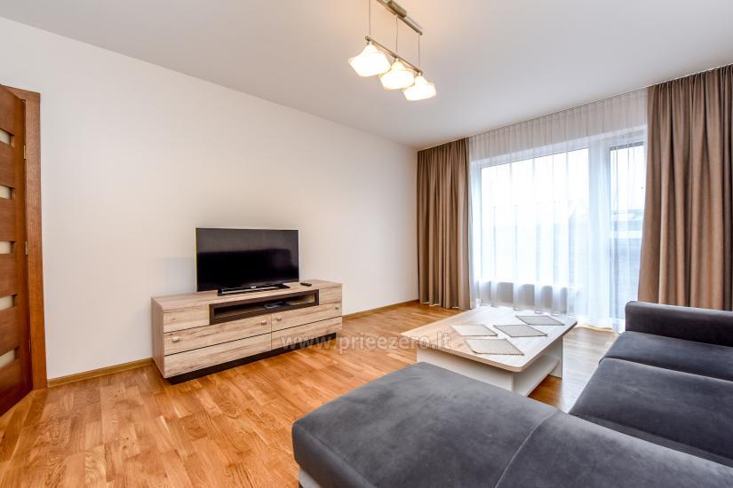 67 kvm. Jaunā divu istabu dzīvoklis Druskupio in Birstonas: pirmajā stāvā, terase - 5