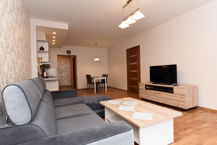 67 kvm. Jaunā divu istabu dzīvoklis Druskupio in Birstonas: pirmajā stāvā, terase - 6