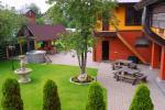 Lauku māja ar pirti, zāli netālu no jūras un ezeru - 2