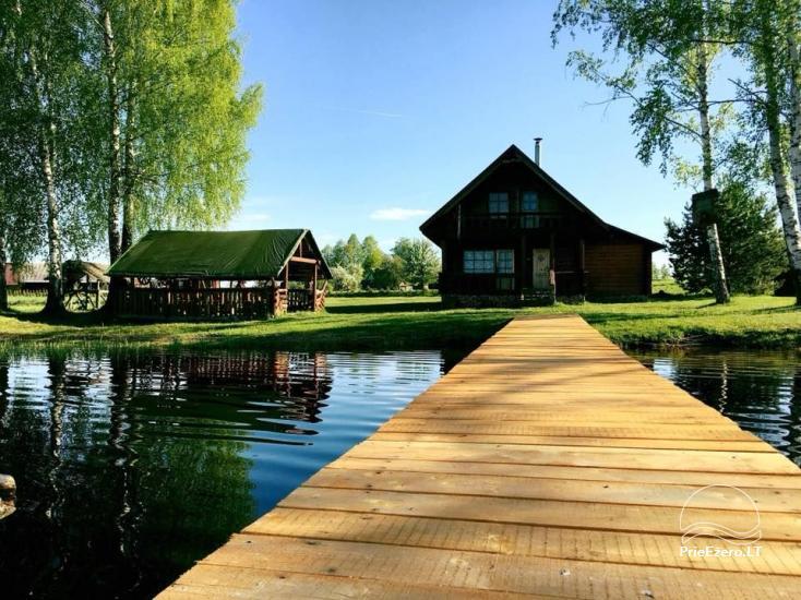 Ramūnu sēta pie ezera krasta - 1