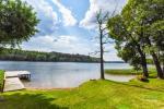 Lauku sēta pie ezera Ignalinas rajonā, Lietuvā