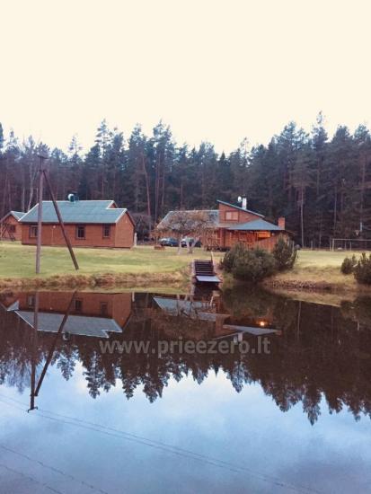 Lauku sēta, ko ieskauj meži Meža lauku māja - 7