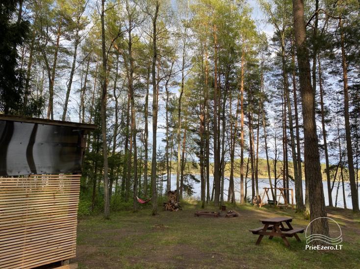 Juodakampis kempings Siesarta ezera krastā - 13