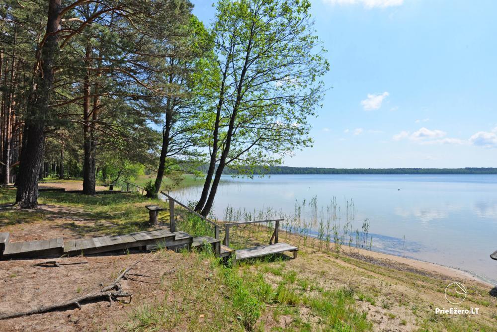 Kempings pie ezera Lavyso - 2