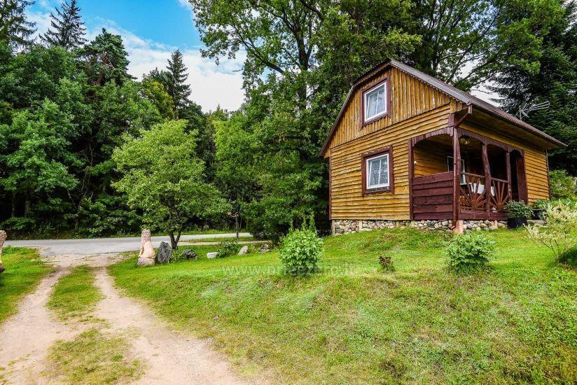 Villa starp ezeru un upju Plungė jomā - 3