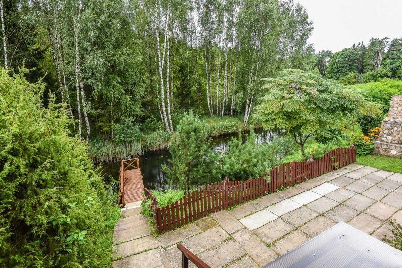 Villa starp ezeru un upju Plungė jomā - 7