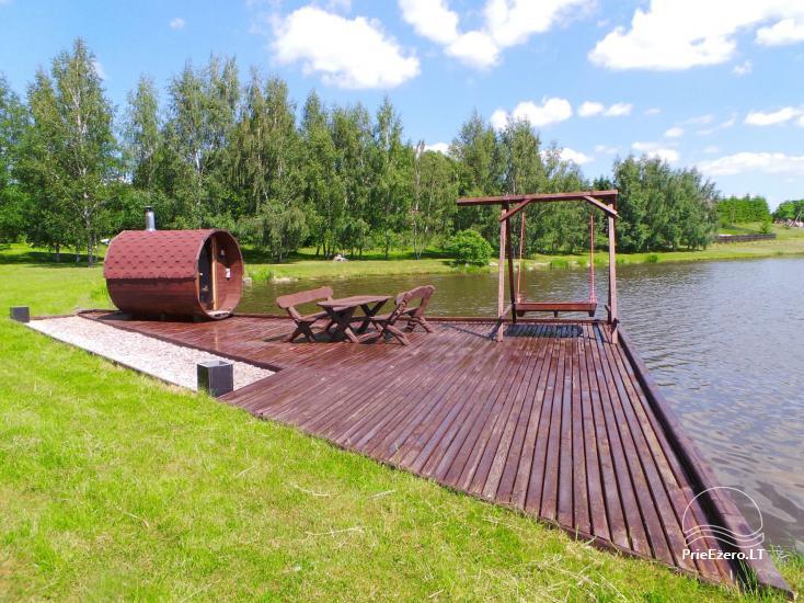 Banketu zāle ar skatu uz ezeru - 13