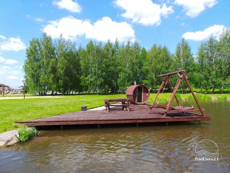 Banketu zāle ar skatu uz ezeru - 14