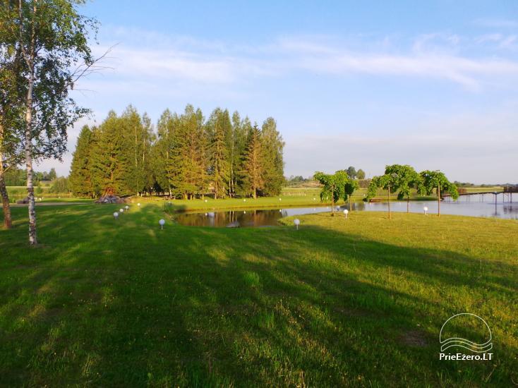 Banketu zāle ar skatu uz ezeru - 22