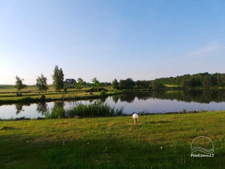 Banketu zāle ar skatu uz ezeru - 23