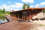 Banketu zāle ar skatu uz ezeru - 2