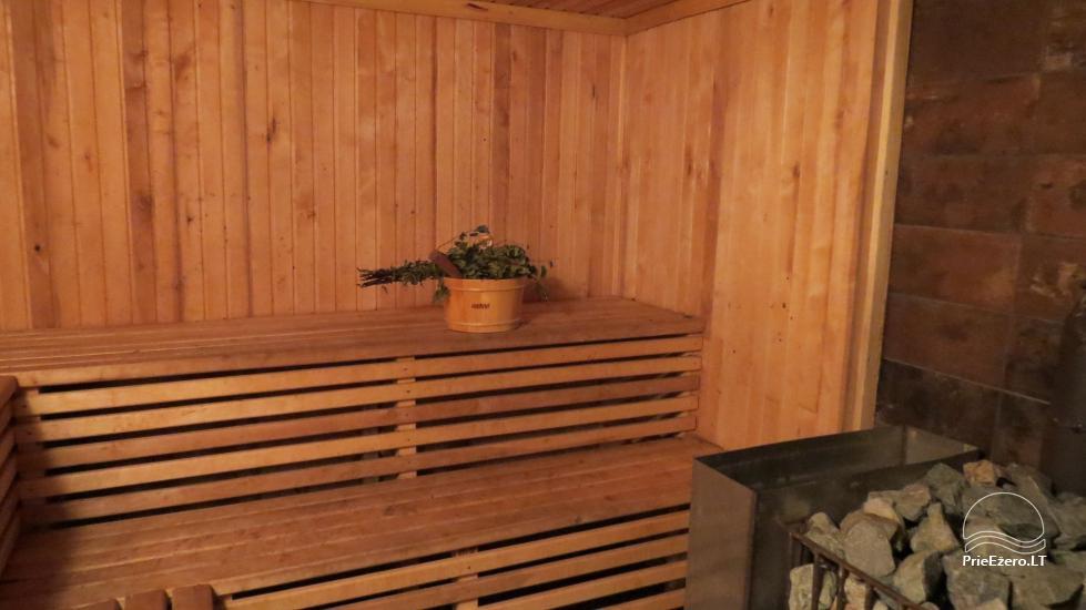 Lauku sēta pie ezera Lietuvā - 10