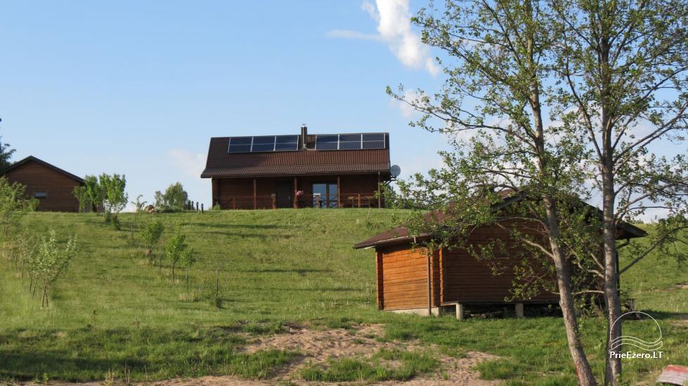 Lauku sēta pie ezera Lietuvā - 2