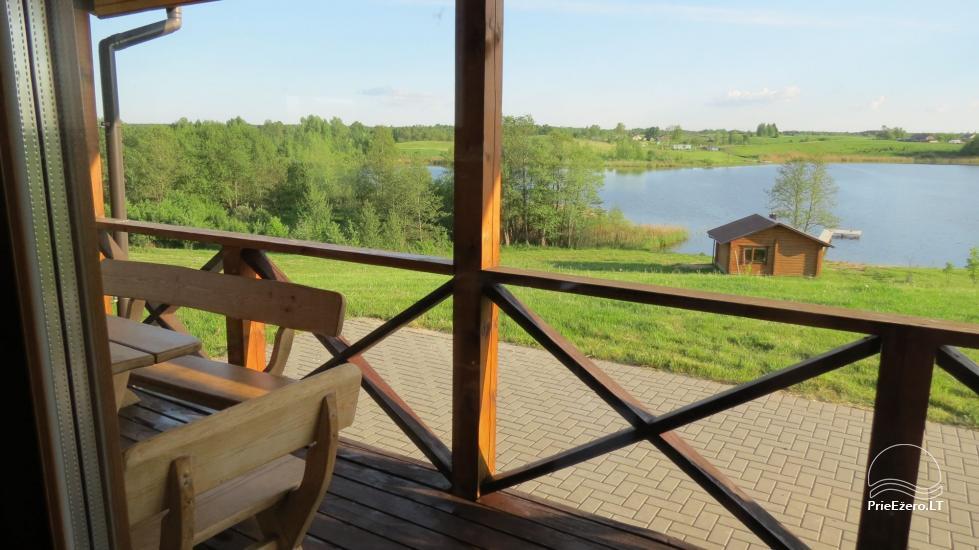 Lauku sēta pie ezera Lietuvā - 3