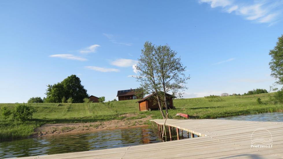 Lauku sēta pie ezera Lietuvā - 4