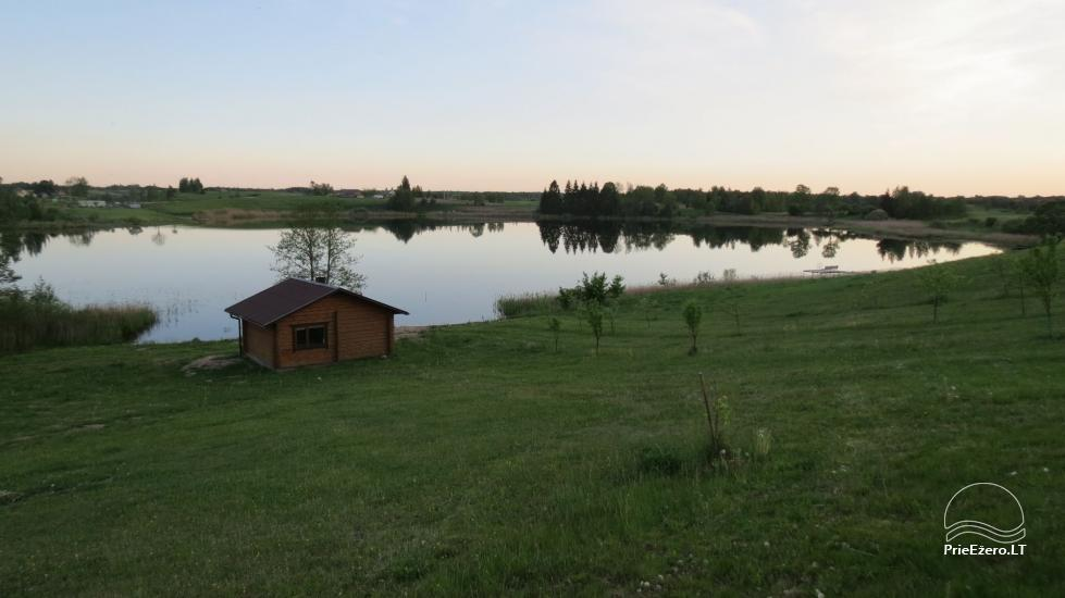 Lauku sēta pie ezera Lietuvā - 6