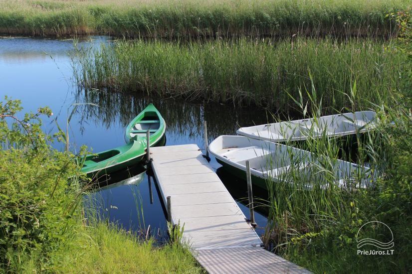 Viesu māja krastā ezera, netālu no jūras - Lejnieki - 1