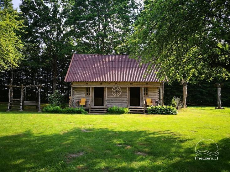 Lauku sēta pie upes Lietuvā - 1