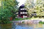 Viesu māja pie upes Ignalinas rajonā