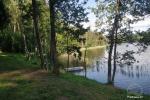 Kempings Zalktyne pie Asvejas ezera Lietuvā