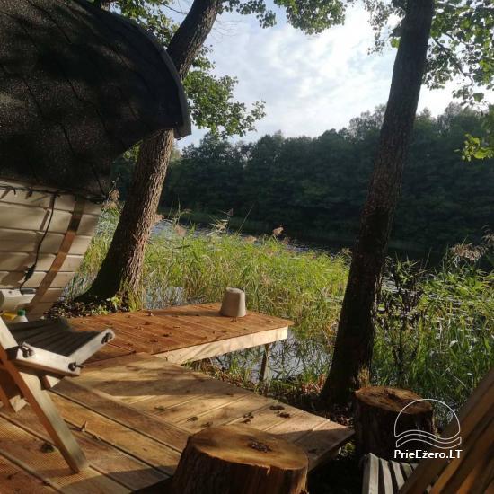 Izīrē pirts un kupola mājas ezera krastā - 4