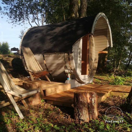 Izīrē pirts un kupola mājas ezera krastā - 2