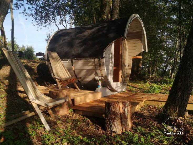 Izīrē pirts un kupola mājas ezera krastā - 1