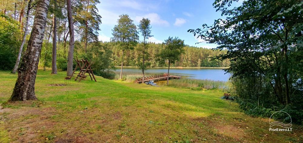 Lauku sēta ar privātu ezera krastu - 1