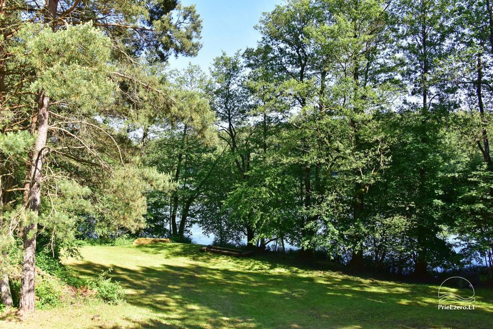 Māja ar pirti krastā ezera - 44