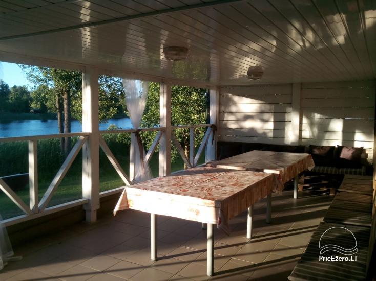Viesu nams ezera krastā starp Vilņu un Kauņu dažādiem pasākumiem un svinībām - 35