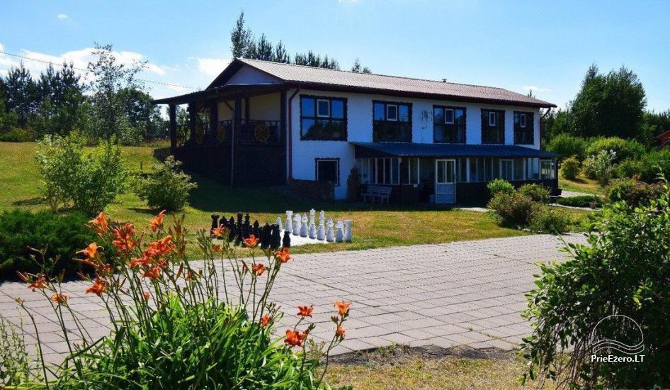 Viesu nams ezera krastā starp Vilņu un Kauņu dažādiem pasākumiem un svinībām - 14
