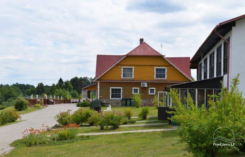 Viesu nams ezera krastā starp Vilņu un Kauņu dažādiem pasākumiem un svinībām - 7