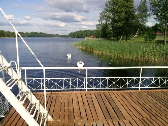 Viesu nams ezera krastā starp Vilņu un Kauņu dažādiem pasākumiem un svinībām - 39