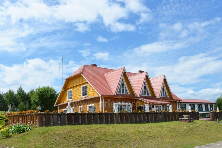 Viesu nams ezera krastā starp Vilņu un Kauņu dažādiem pasākumiem un svinībām - 8