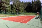 Tenisa korts netālu no Viļņas lauku majā  TARP PUŠŲ
