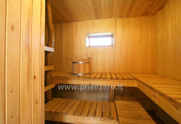 Māja uz ezera krastu: pirts, istabas, banketu zāle 30 personām, kajaki - 5