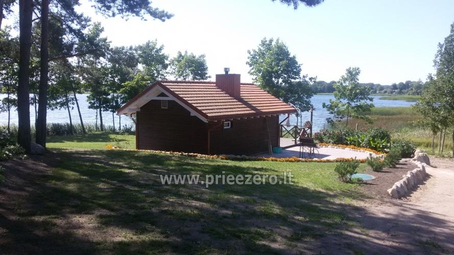 Māja uz ezera krastu: pirts, istabas, banketu zāle 30 personām, kajaki - 1